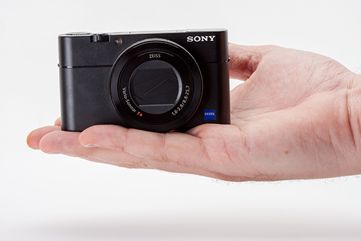 Sony RX100 V на руке
