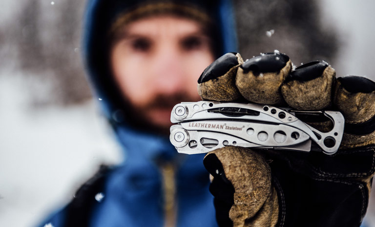 Размер Skeletool в руках
